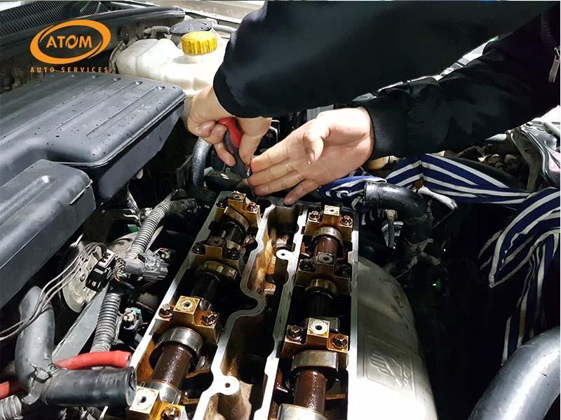 Vệ sinh kim phun ô tô bằng phương pháp xúc rửa trực tiếp