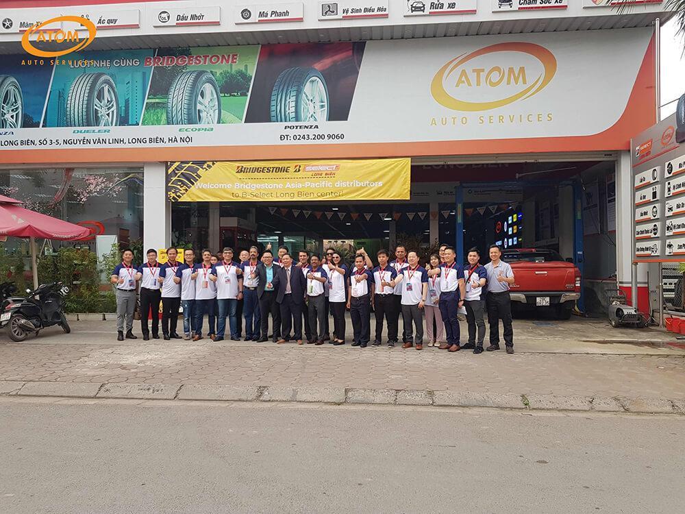 """ATOM Auto Services (B-Select Long Biên) tạo """"ấn tượng"""" mạnh đến bạn bè quốc tế"""