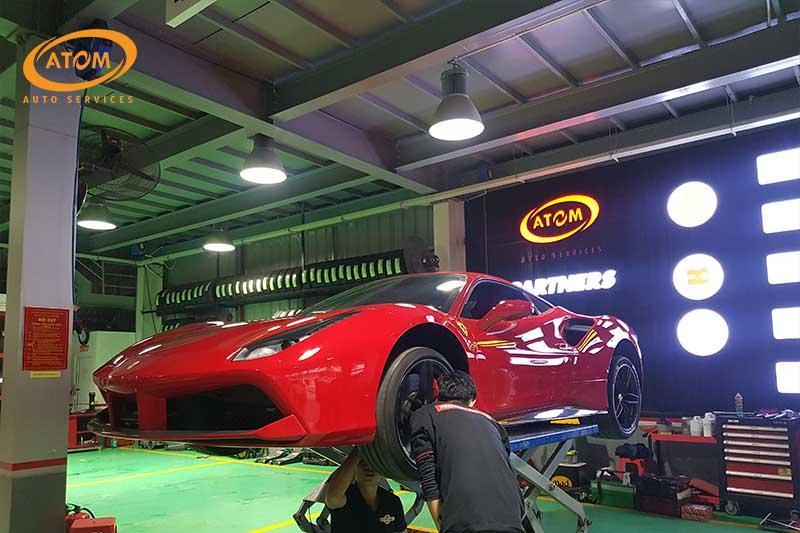 Hệ thống phanh luôn được kiểm tra khi bảo dưỡng ô tô lần đầu
