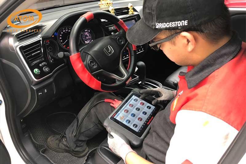 Kiểm tra tổng thể ô tô để kịp thời phát hiện các vấn đề gây mất an toàn