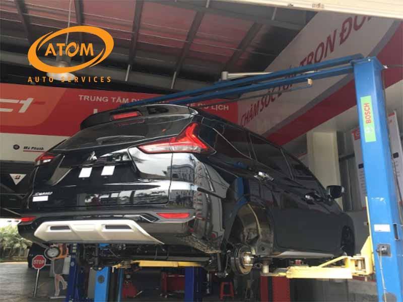 Bạn nên bảo dưỡng xe ô tô tại các trung tâm uy tín để đảm bảo an toàn và an tâm trên mỗi hành trình