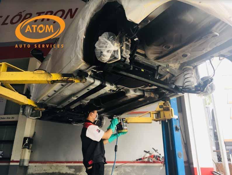 Sơn phủ gầm giúp bảo vệ các chi tiết gầm xe