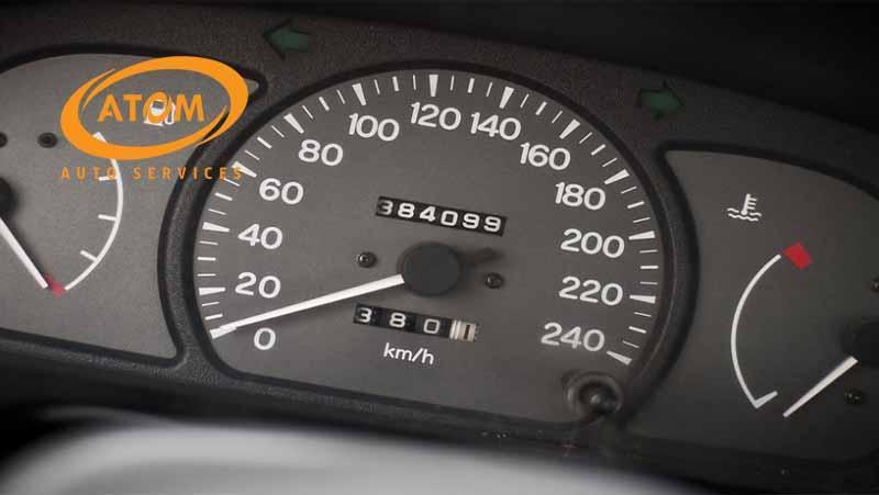 Thay dầu ô tô không chỉ dựa vào số km mà còn phụ thuộc nhiều yếu tố khác