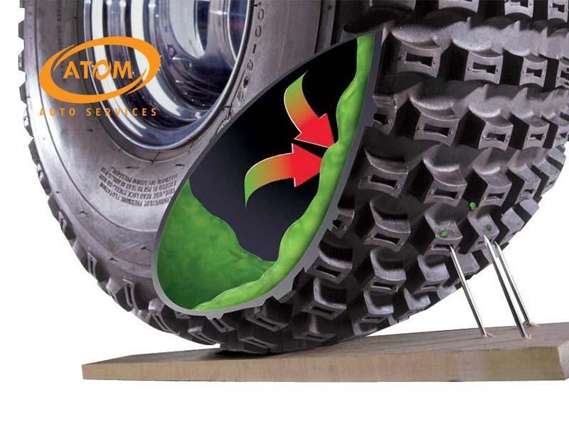 Sử dụng keo tự vá là một trong những cách để khắc phục lốp ô tô bị dính đinh