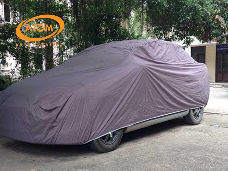 Nên thực hiện che chắn xe ô tô, tránh để xe dưới nắng mưa trực tiếp thường xuyên