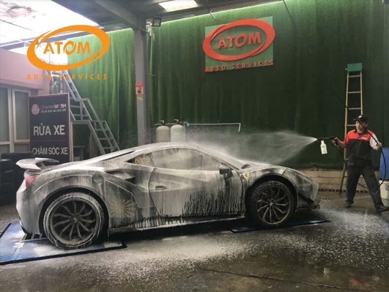 Nên rửa xe ngay khi bị bẩn chứ không nên để xe bẩn quá lâu
