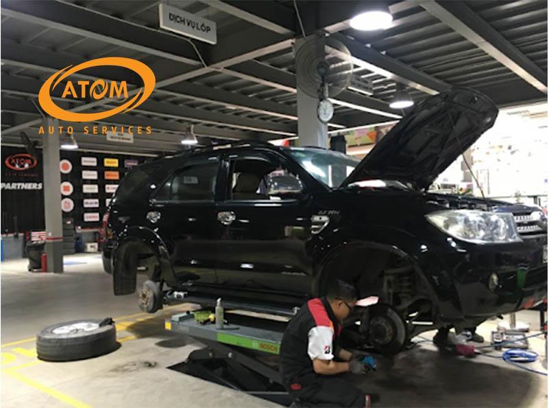 Lựa chọn trung tâm uy tín để thay má phanh ô tô