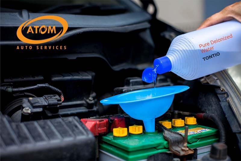 Kiểm tra và nạp thêm nước cất cho bình ắc quy nước