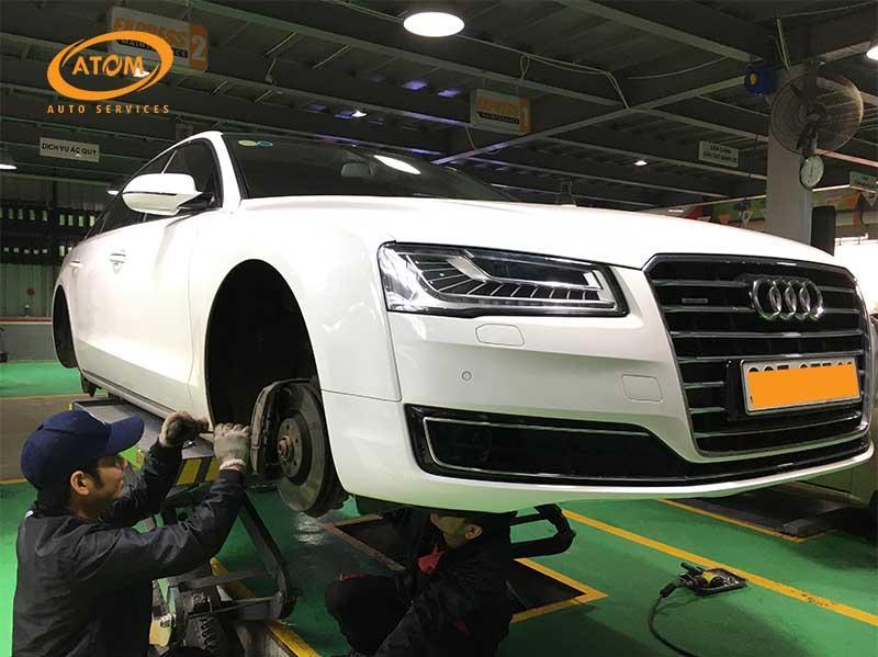 Đội ngũ kỹ thuật viên chuyên nghiệp, tay nghề cao sẽ giúp bảo dưỡng ô tô nhanh chóng và hiệu quả hơn