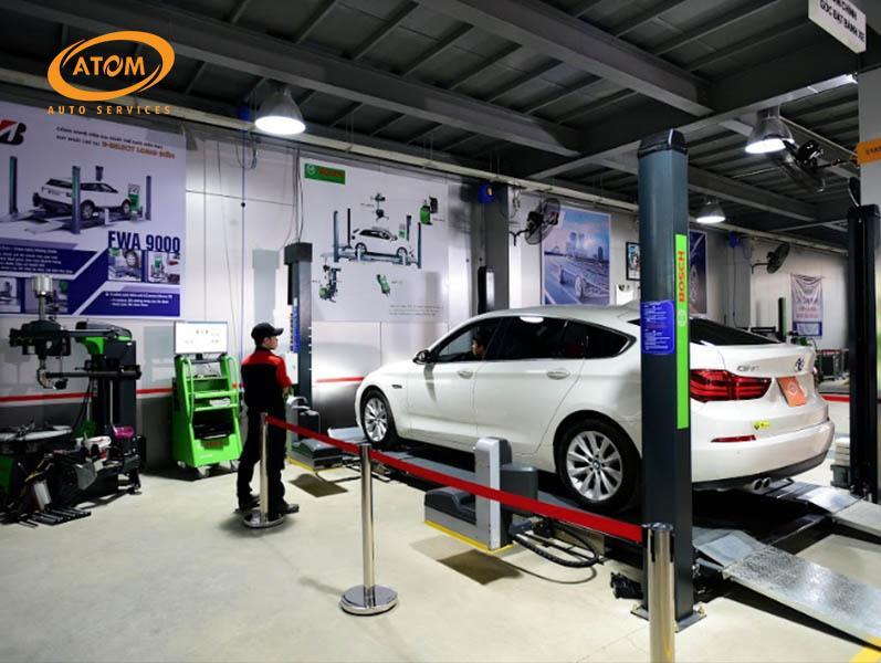 Atom Auto Services có hệ thống máy cân chỉnh góc đặt bánh xe hiện đại bậc nhất