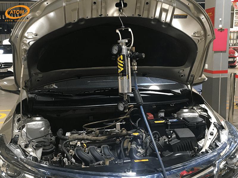 Vệ sinh kim phun buồng đốt xe ô tô Toyota Vios