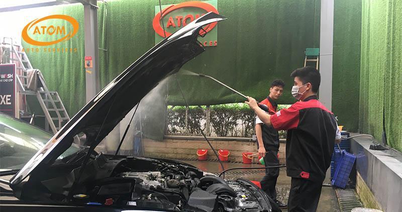 Có nên vệ sinh khoang máy ô tô? 5 Nên 3 Không Nên