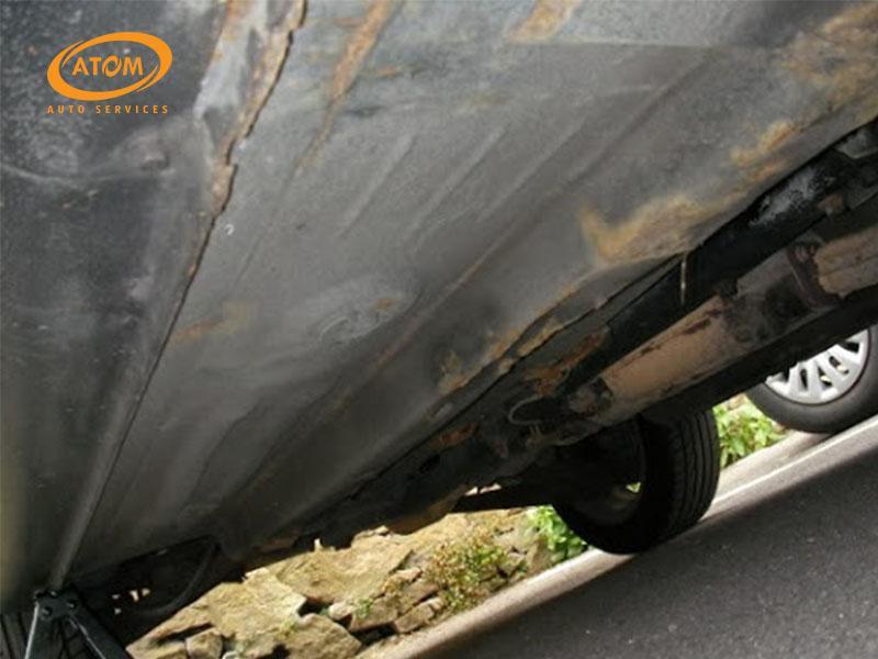 Gầm xe là nơi thường xuyên phải hững chịu các tác nhân gây hại từ môi trường bên ngoài