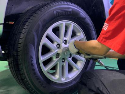 Cứu hộ lốp ô tô