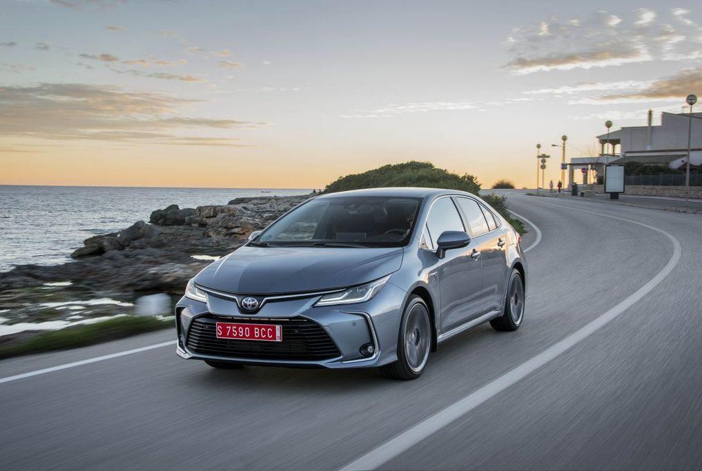 Chọn thay ắc quy lốp ô tô Toyota Corolla Altis chất lượng mang đến sự an toàn cao nhất cho quá trình di chuyển